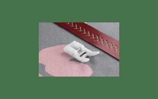 F007N: Non-Stick Foot Horizontal
