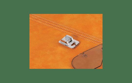 F037N: Pin Tuck 5 Groove Foot