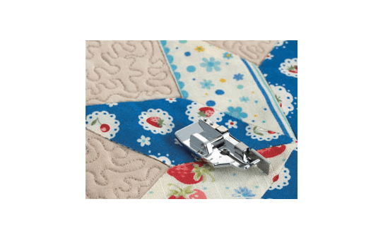 F057: 1/4 Inch Piecing Foot With Guide